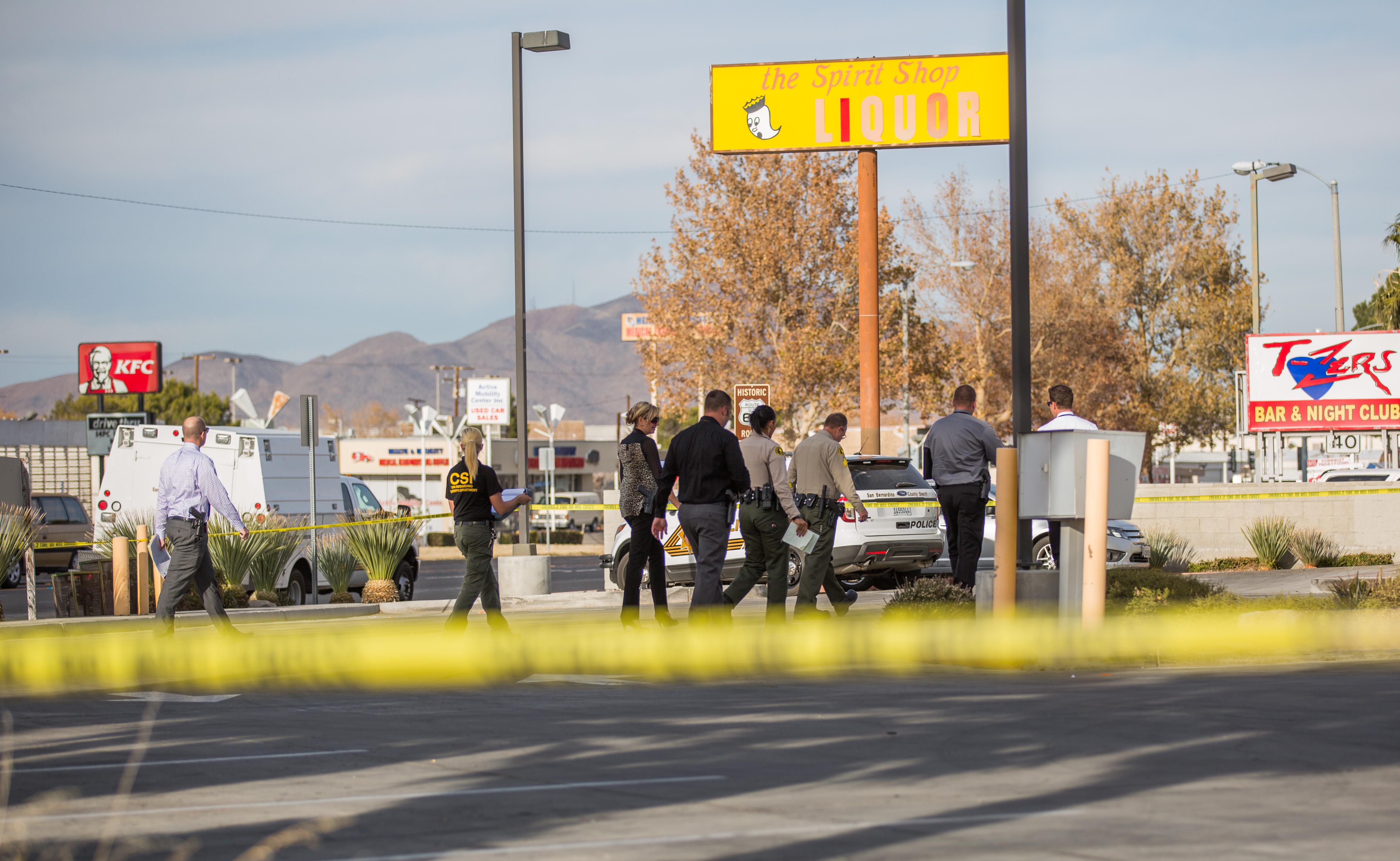 CSI (Crime Scene Investigation) closes off area while investigation body of an newborn baby located in Victorville. (Gabriel D. Espinoza, Victor Valley News)
