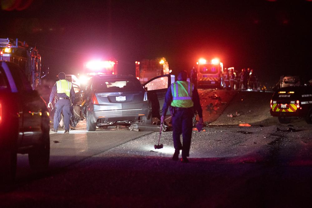 2 dead in Highway 395 crash Friday night in Adelanto - Victor Valley