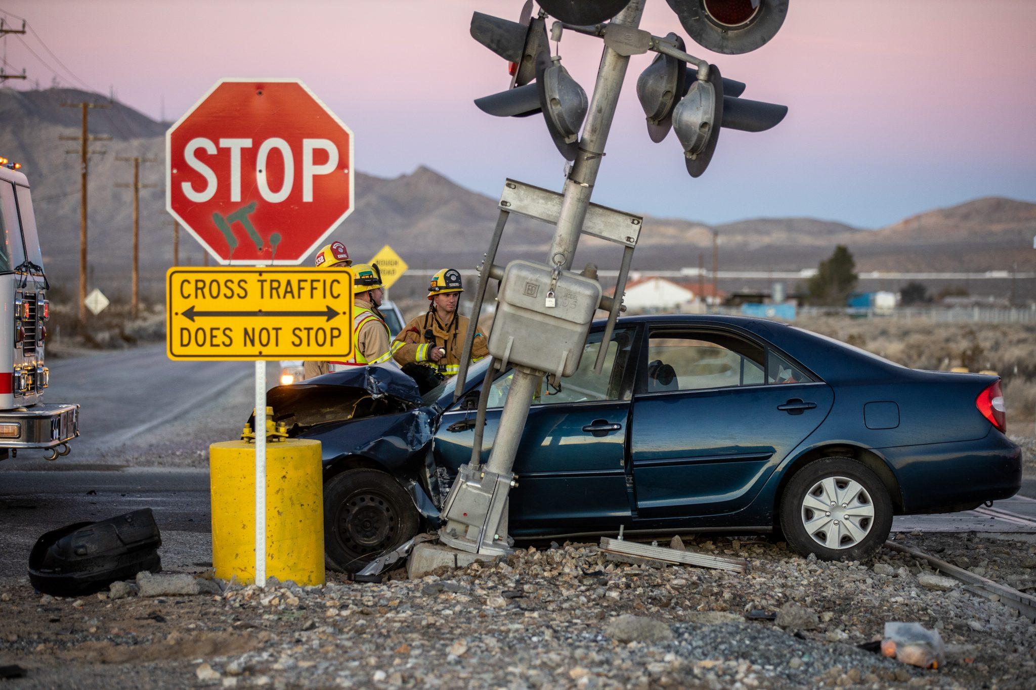 apple valley crash dale evans parkway