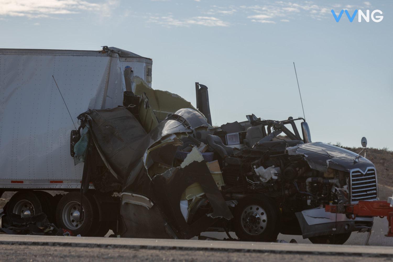 semi crash on northbound 15 freeway
